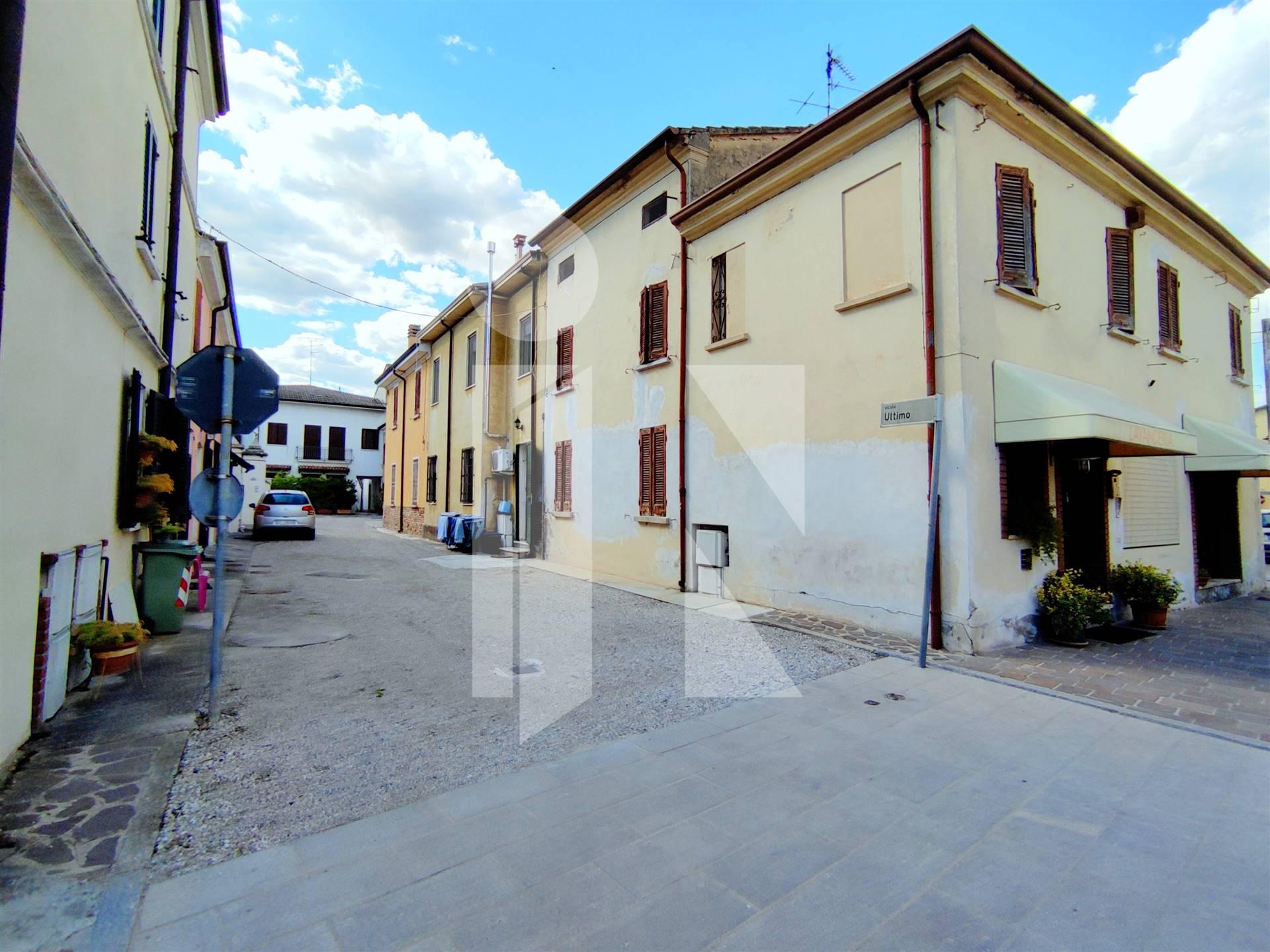 Casetta in centro paese