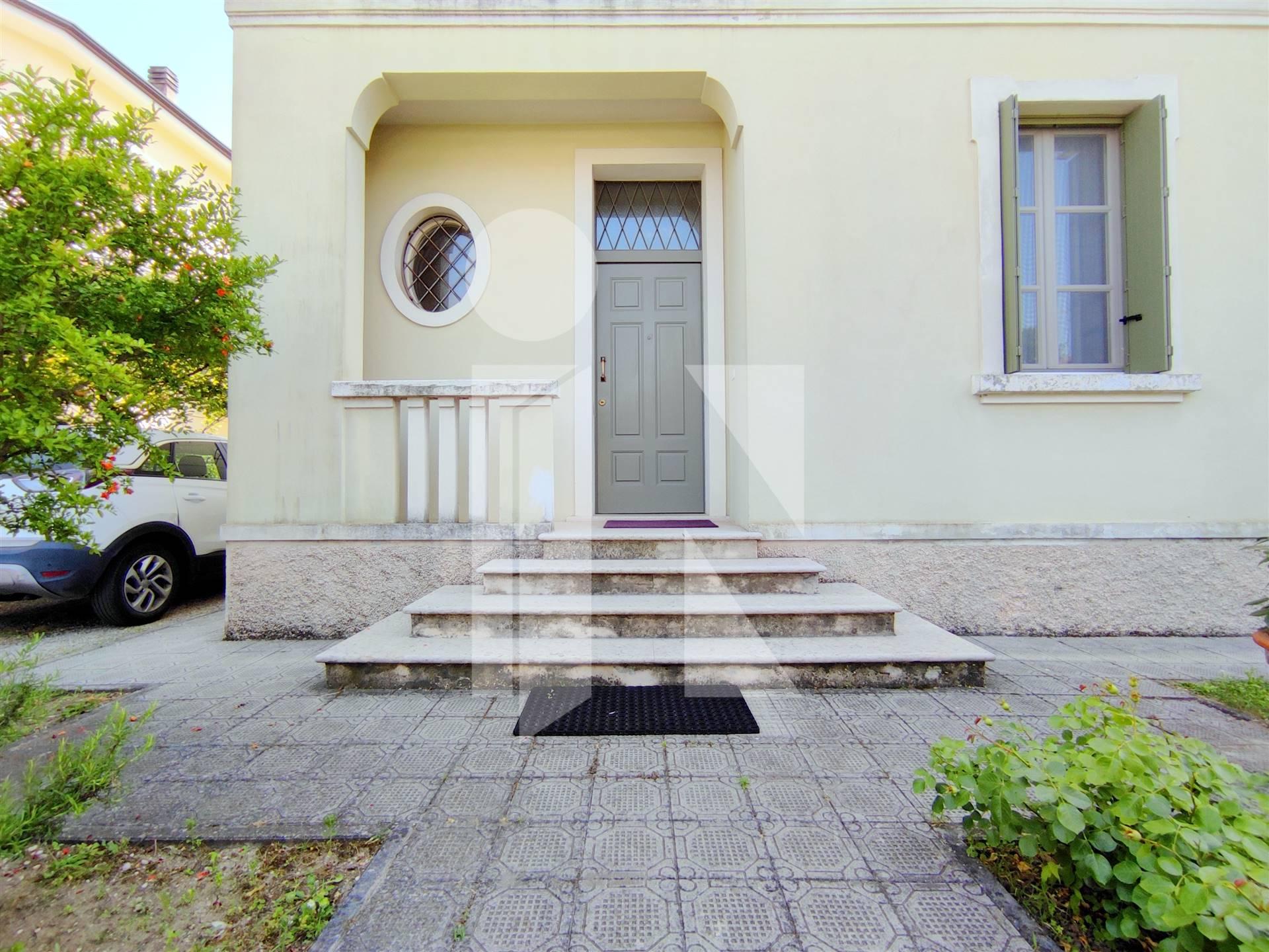 Elegante villa con due unità abitative distinte