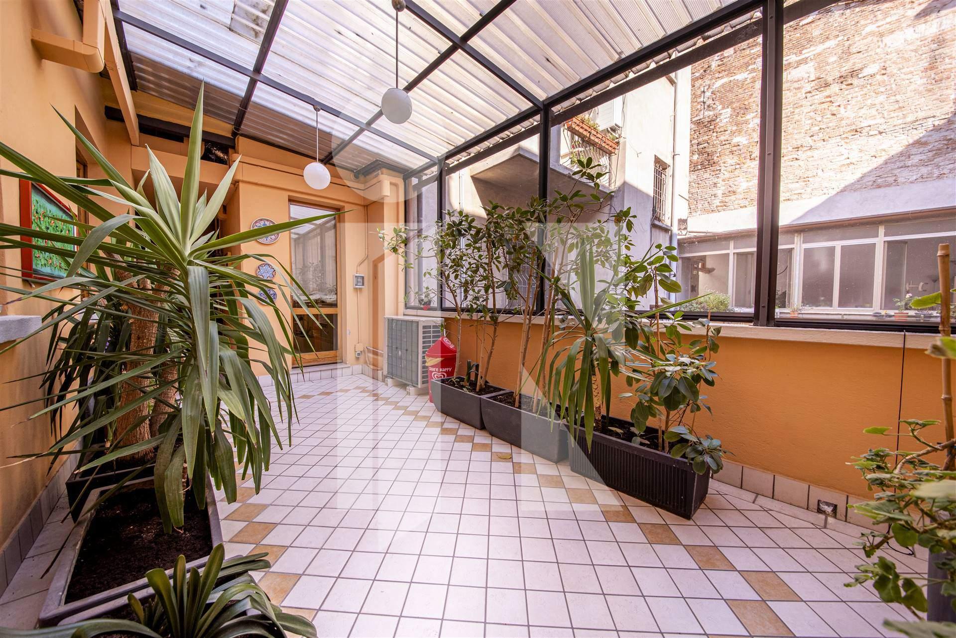 Signorile appartamento con terrazzo e garage