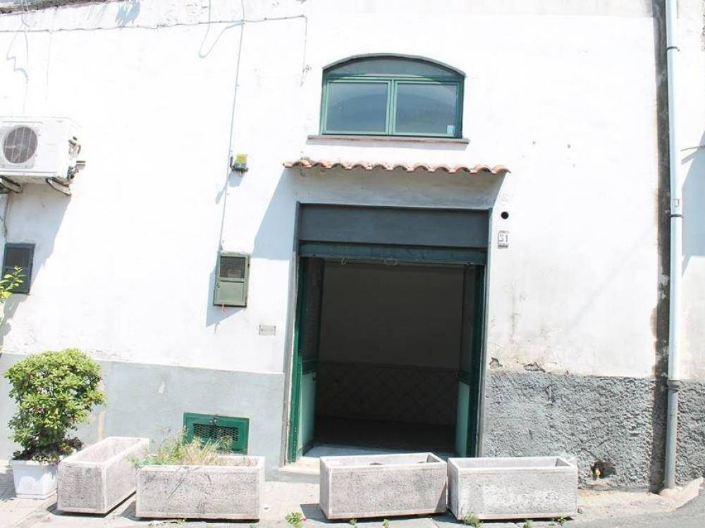 VICO EQUENSE (CAPOLUOGO), VICO EQUENSE, Shop for rent of 30 Sq. mt., Be restored, Energetic class: G, Epi: 0 kwh/m3 year, placed at Ground, composed