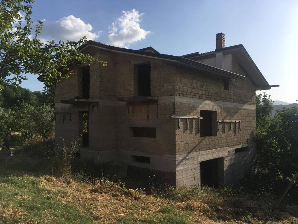 Villa in vendita a Chianche, 3 locali, prezzo € 99.000 | CambioCasa.it