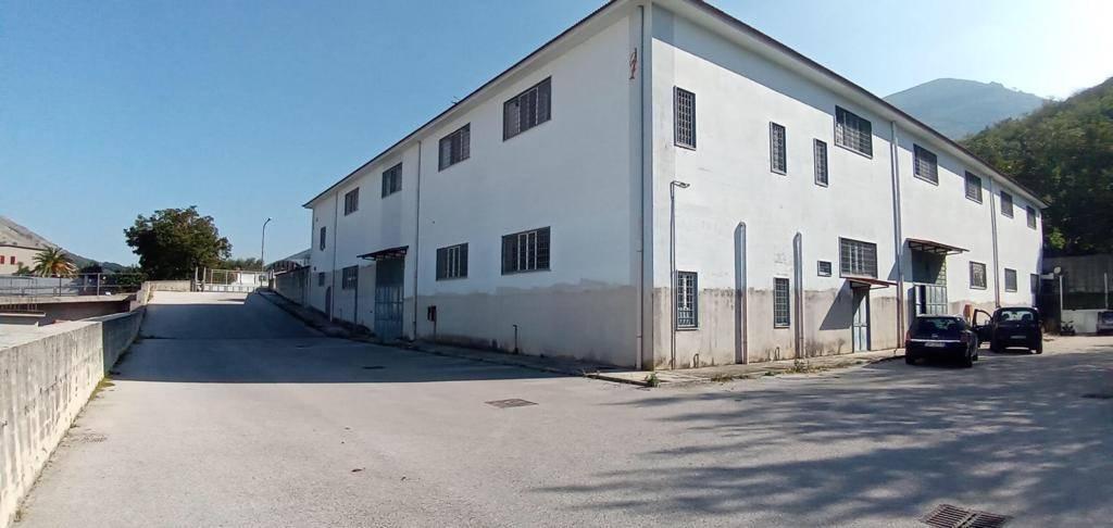 Capannone in affitto a Forchia, 9999 locali, prezzo € 4.800 | CambioCasa.it