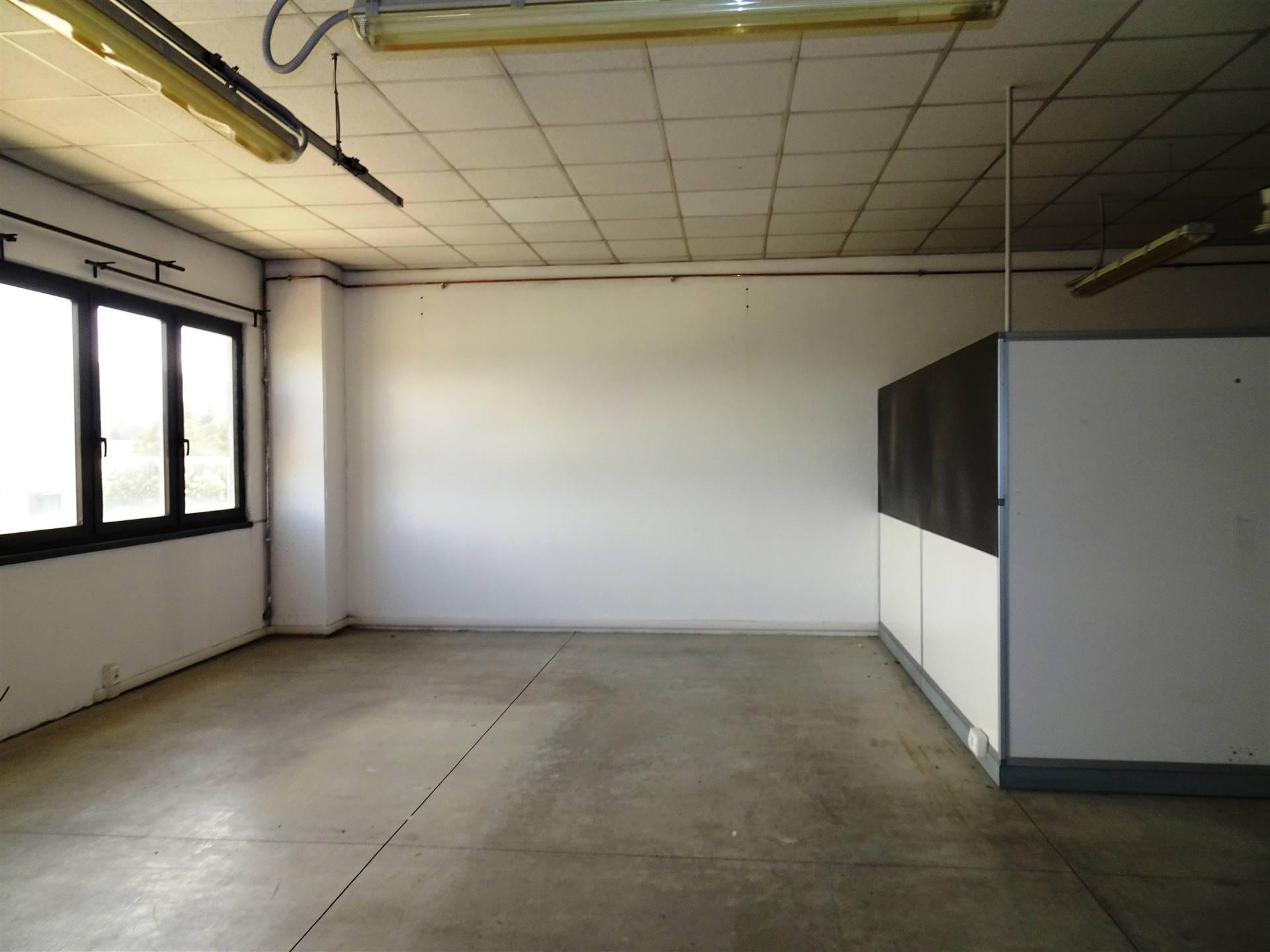 Laboratorio in vendita a Scandicci, 1 locali, zona Zona: Casellina, prezzo € 90.000   CambioCasa.it