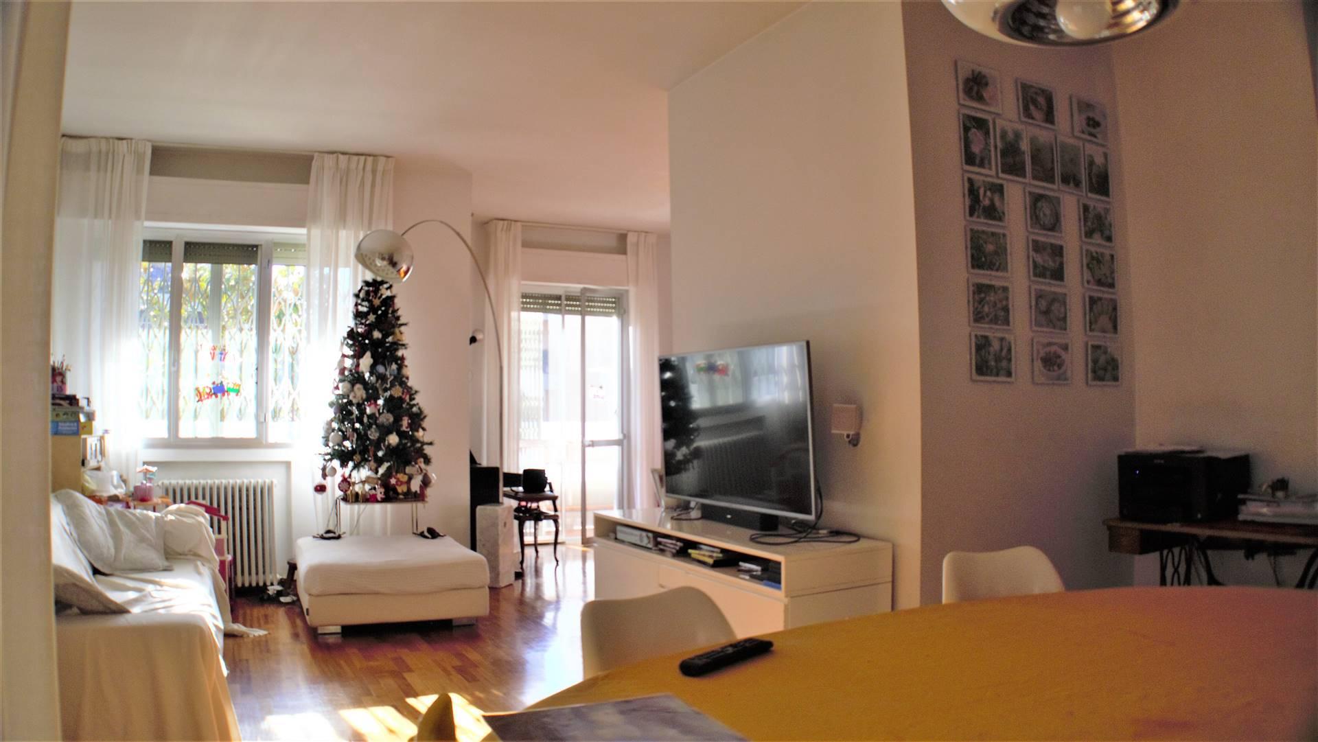 MONTECATINI TERME, Appartamento in vendita di 140 Mq, Ottime condizioni, Riscaldamento Autonomo, Classe energetica: E, Epi: 175 kwh/m2 anno, posto al