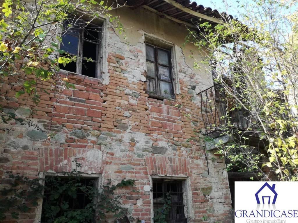 Rustico / Casale in vendita a Casalborgone, 10 locali, prezzo € 46.000 | PortaleAgenzieImmobiliari.it