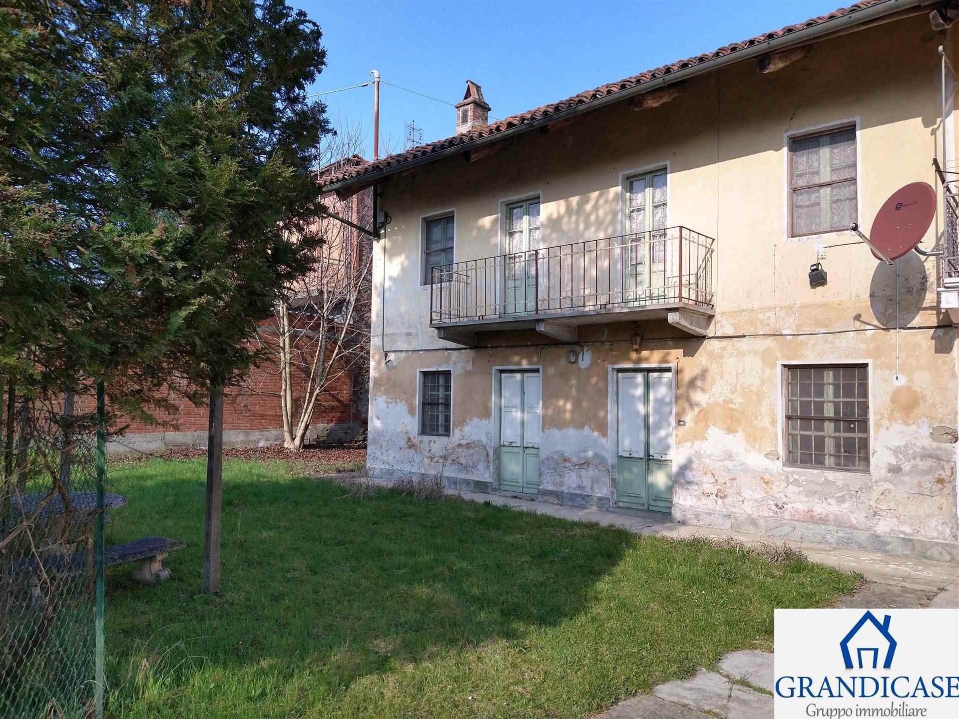 Rustico / Casale in vendita a San Sebastiano da Po, 6 locali, prezzo € 49.000   PortaleAgenzieImmobiliari.it