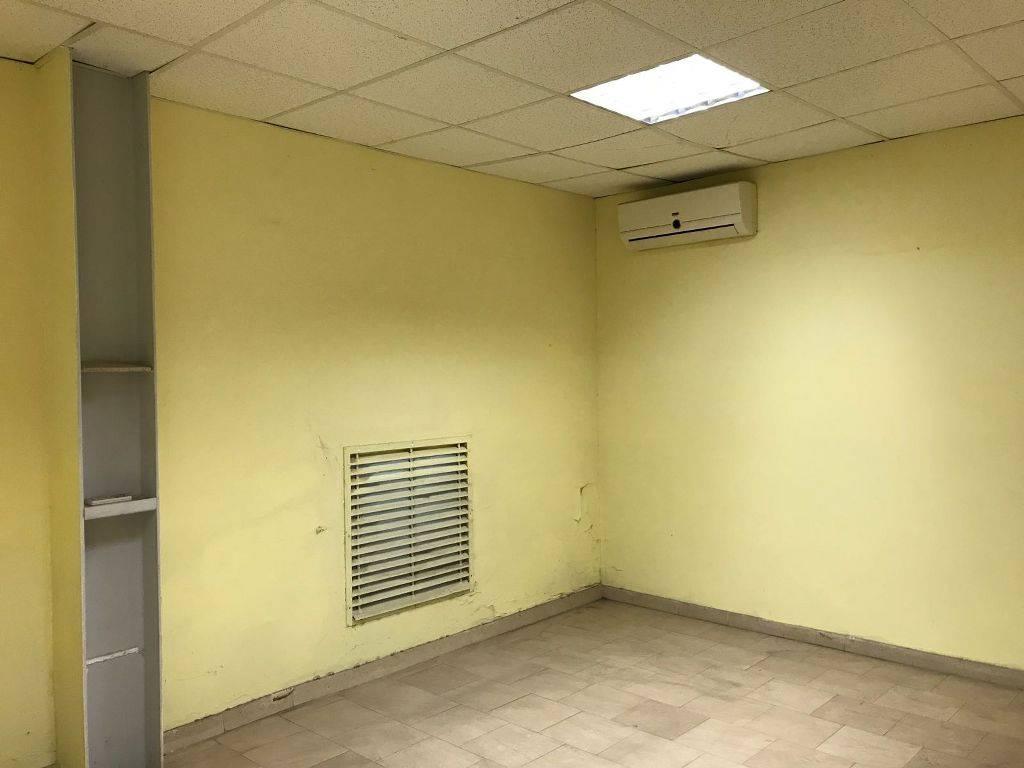 Capannone D7 mq 950 area uffici