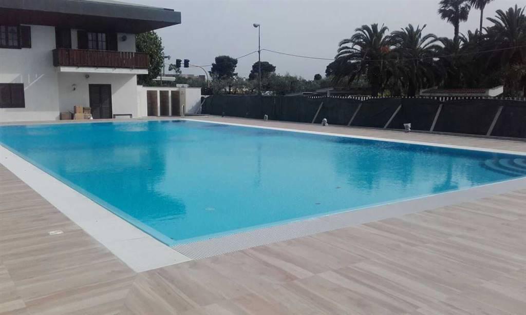 Bari - Via Fanelli - Borgo dei Pioppi - Villa Bilivelli di Mq 220 - All'interno del Residence Borgo dei Pioppi dotato di piscina e campi da tennis,