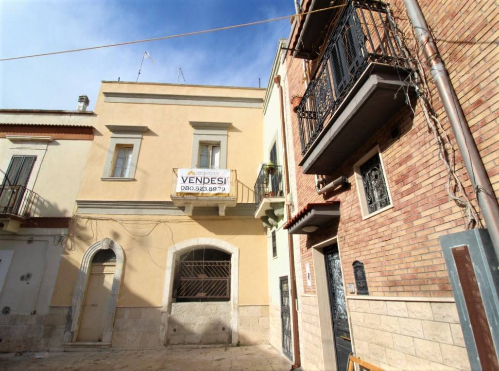 CEGLIE DEL CAMPO, BARI, Independent Apartment for sale of 70 Sq. mt., Be restored, Energetic class: G, Epi: 165 kwh/m2 year, placed at 1° on 1, composed by: 2 Rooms, Kitchenette, , 1 Bedroom, 2