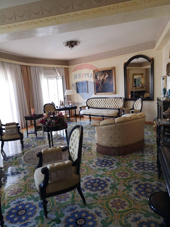 Appartamento in vendita a Caltagirone, 6 locali, prezzo € 150.000 | CambioCasa.it