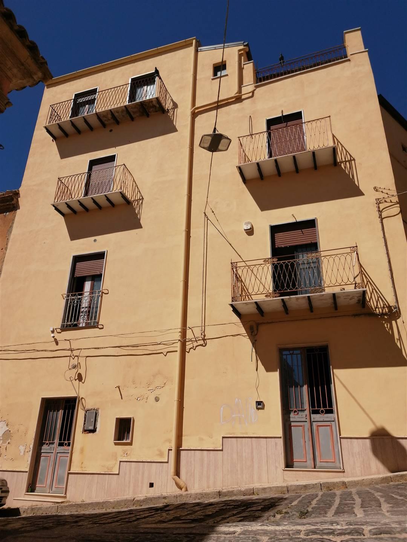Appartamento in vendita a Canicattì, 2 locali, prezzo € 60.000 | CambioCasa.it
