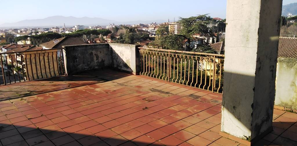 Attico / Mansarda in vendita a Montecatini-Terme, 3 locali, prezzo € 105.000   PortaleAgenzieImmobiliari.it