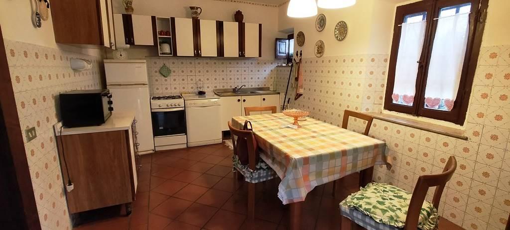 Appartamento in vendita a Lamporecchio, 5 locali, prezzo € 185.000 | PortaleAgenzieImmobiliari.it