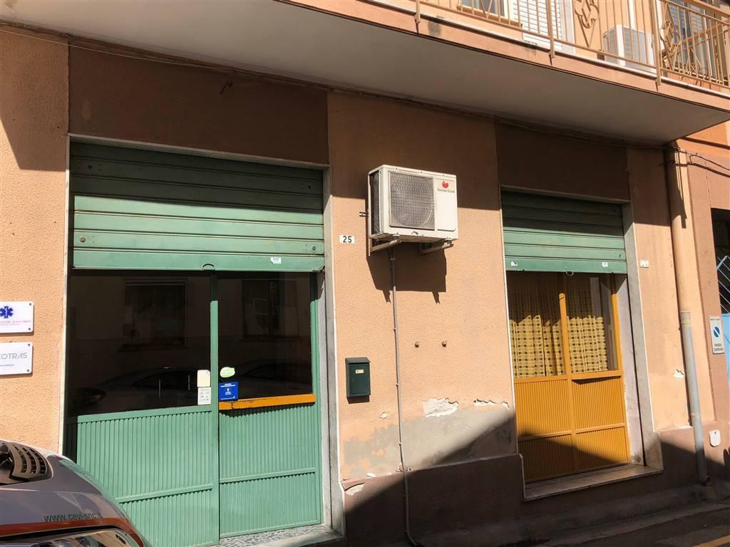 Negozio / Locale in vendita a Cagliari, 3 locali, zona Zona: Pirri, prezzo € 120.000 | CambioCasa.it