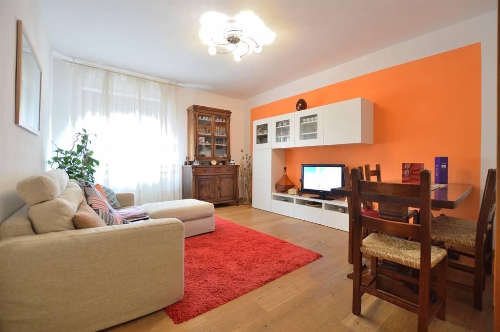 Ponte a Tressa, in piacevole e tranquillo contesto residenziale, proponiamo appartamento posto al piano primo di una palazzina in mattoni faccia