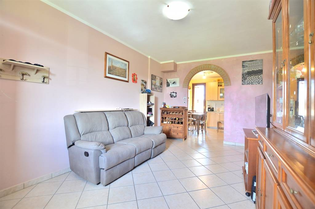 MONTERONI D'ARBIA, Apartment for sale of 70 Sq. mt., Excellent Condition, Heating Individual heating system, Energetic class: G, Epi: 175 kwh/m2 year, placed at 1° on 1, composed by: 4 Rooms,