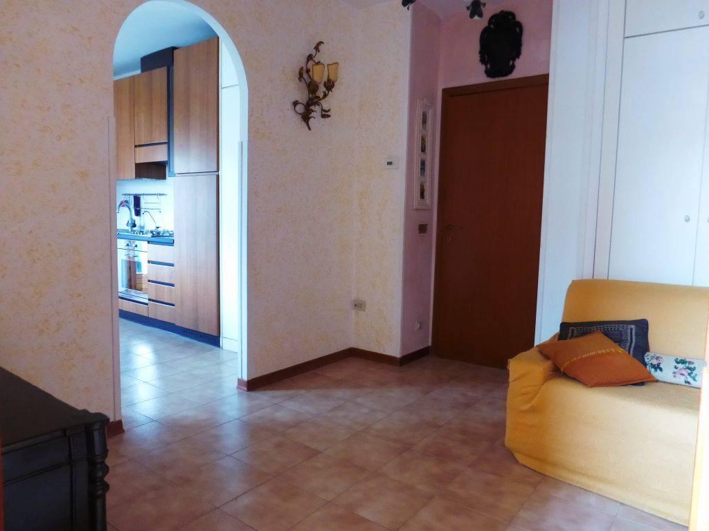 Isola d'Arbia, appartamento posto al piano primo e secondo composto da ingresso, soggiorno e angolo cottura, terrazzo, disimpegno, camera