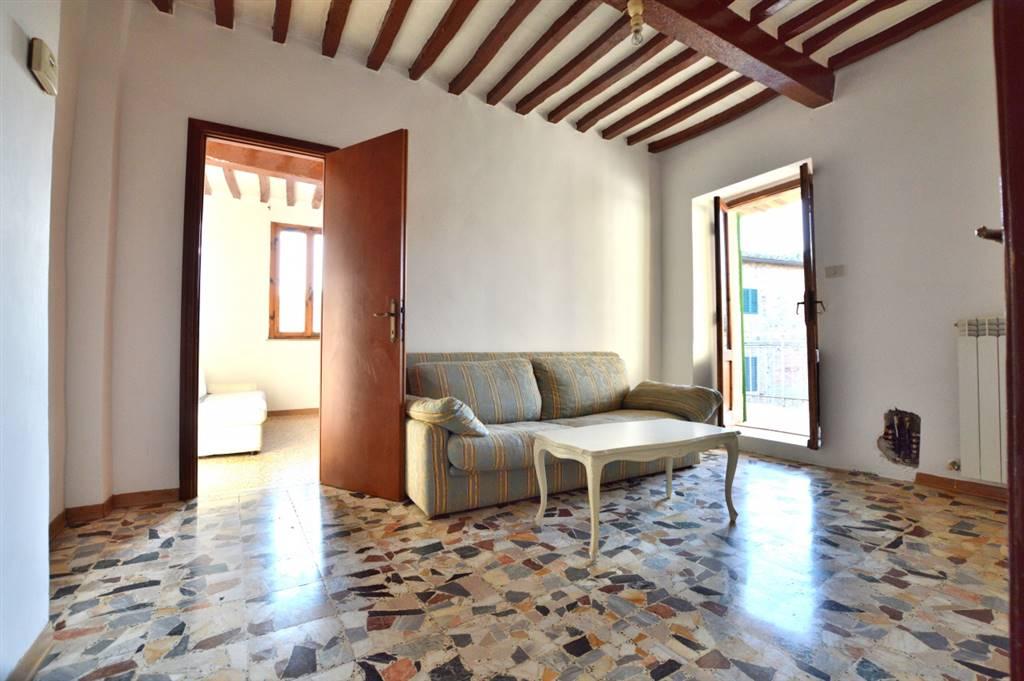 Vescovado di Murlo, in piacevole contesto, proponiamo appartamento ristrutturato nel 2006 così composto: ingresso, soggiorno angolo cottura, graziosa