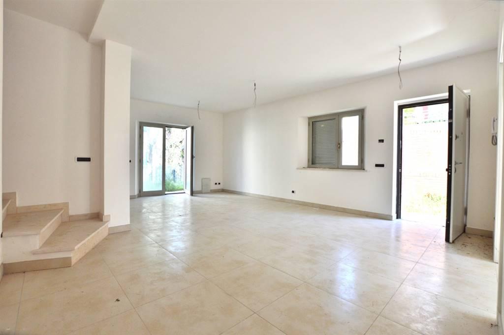 Fuori Porta Pispini, in splendido contesto residenziale, proponiamo terratetto di nuova costruzione con giardino esclusivo in classe energetica A