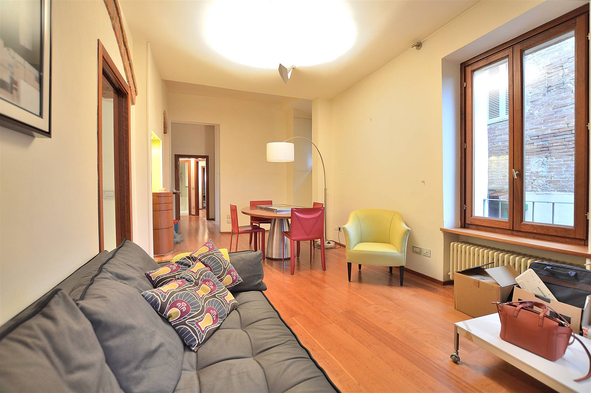 CENTRO STORICO, SIENA, Apartment for sale of 100 Sq. mt., Excellent Condition, Heating Individual heating system, Energetic class: G, Epi: 175 kwh/m2 year, placed at 2° on 3, composed by: 4 Rooms, ,
