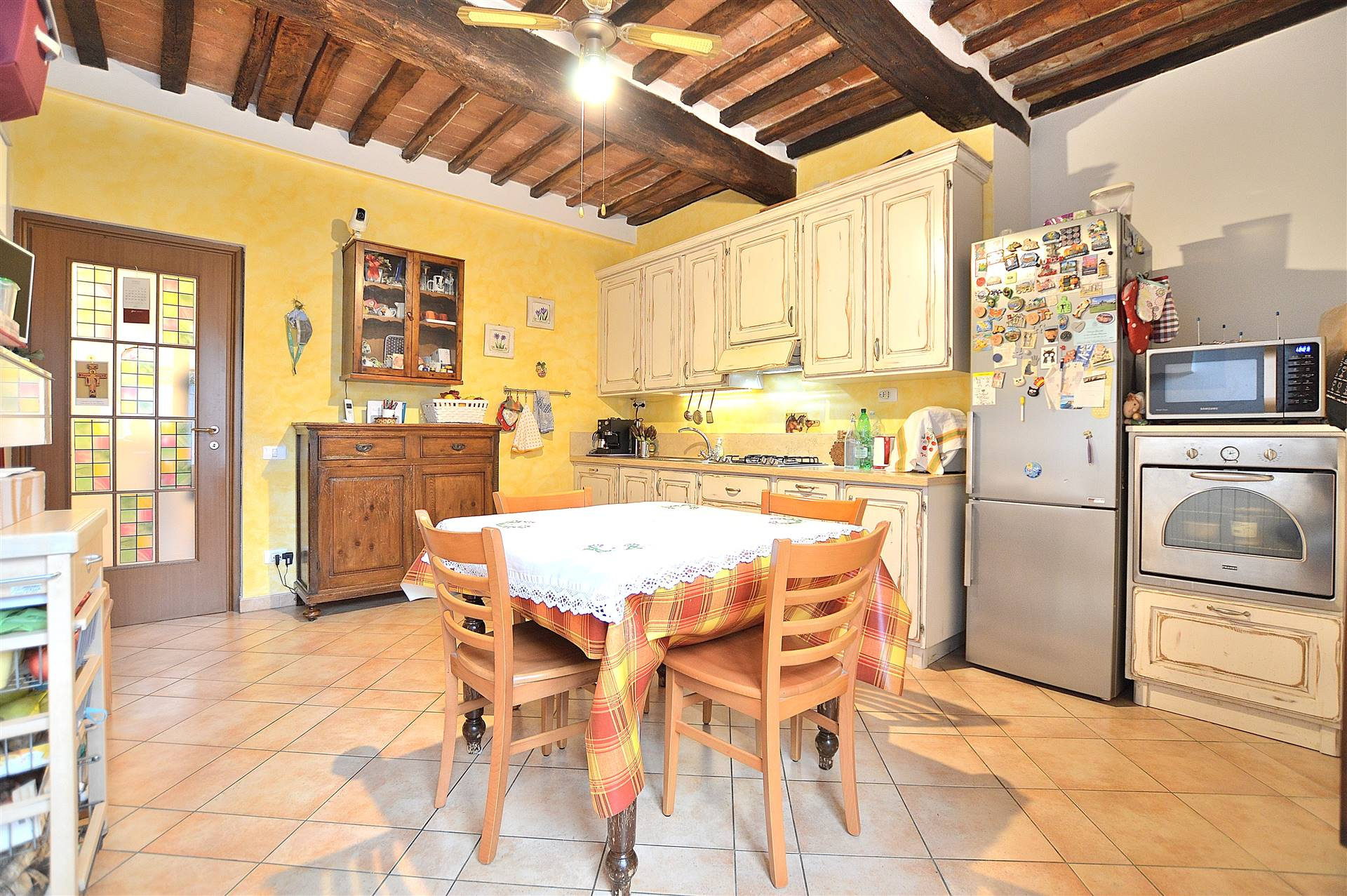 COSTALPINO, SIENA, Apartment for sale of 107 Sq. mt., Excellent Condition, Heating Individual heating system, Energetic class: D, Epi: 57,8 kwh/m2 year, placed at 1° on 2, composed by: 5 Rooms,
