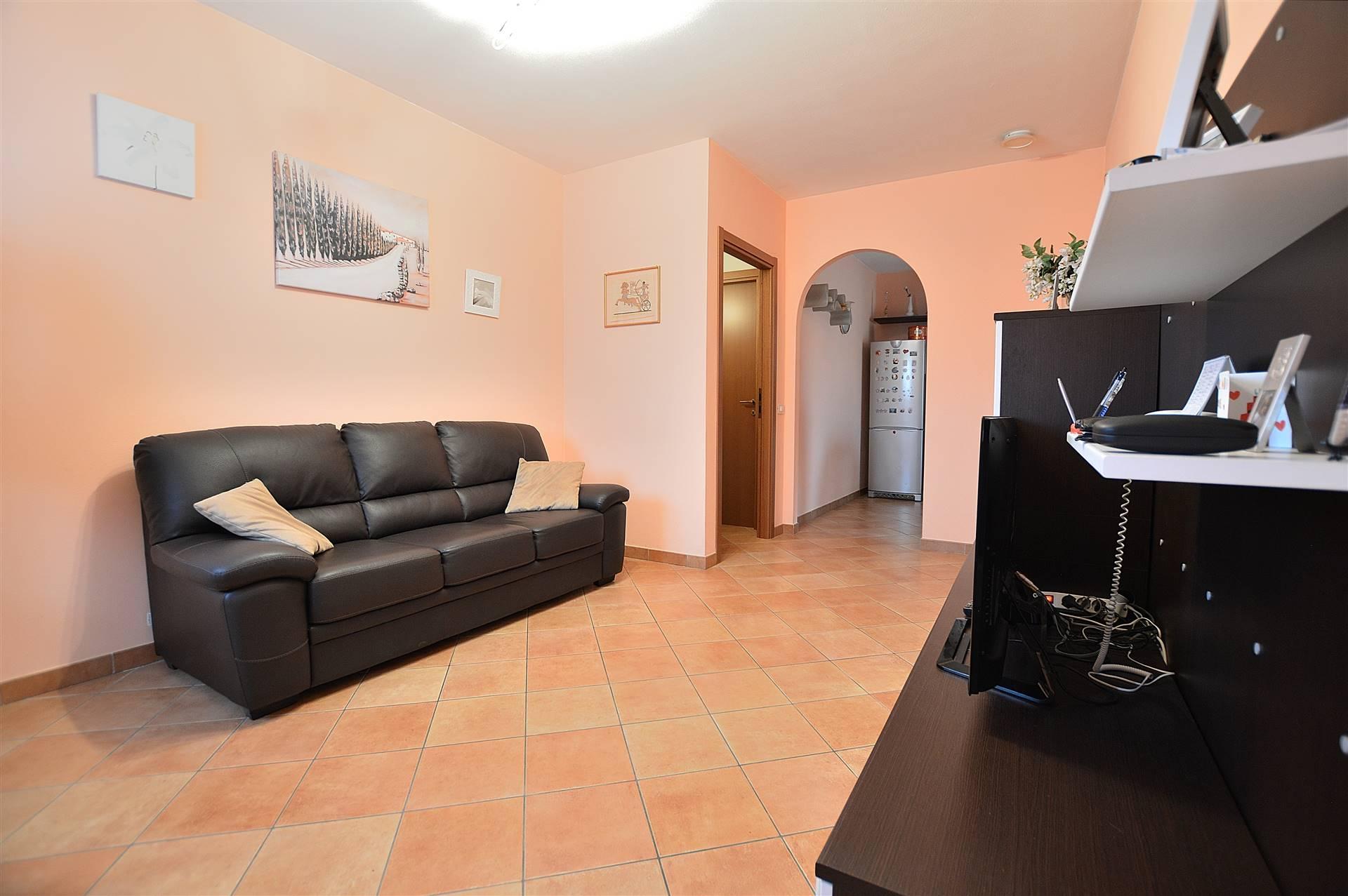 In piacevole contesto residenziale di recente costruzione, proponiamo appartamento posto al primo ed ultimo piano all'interno di una bella