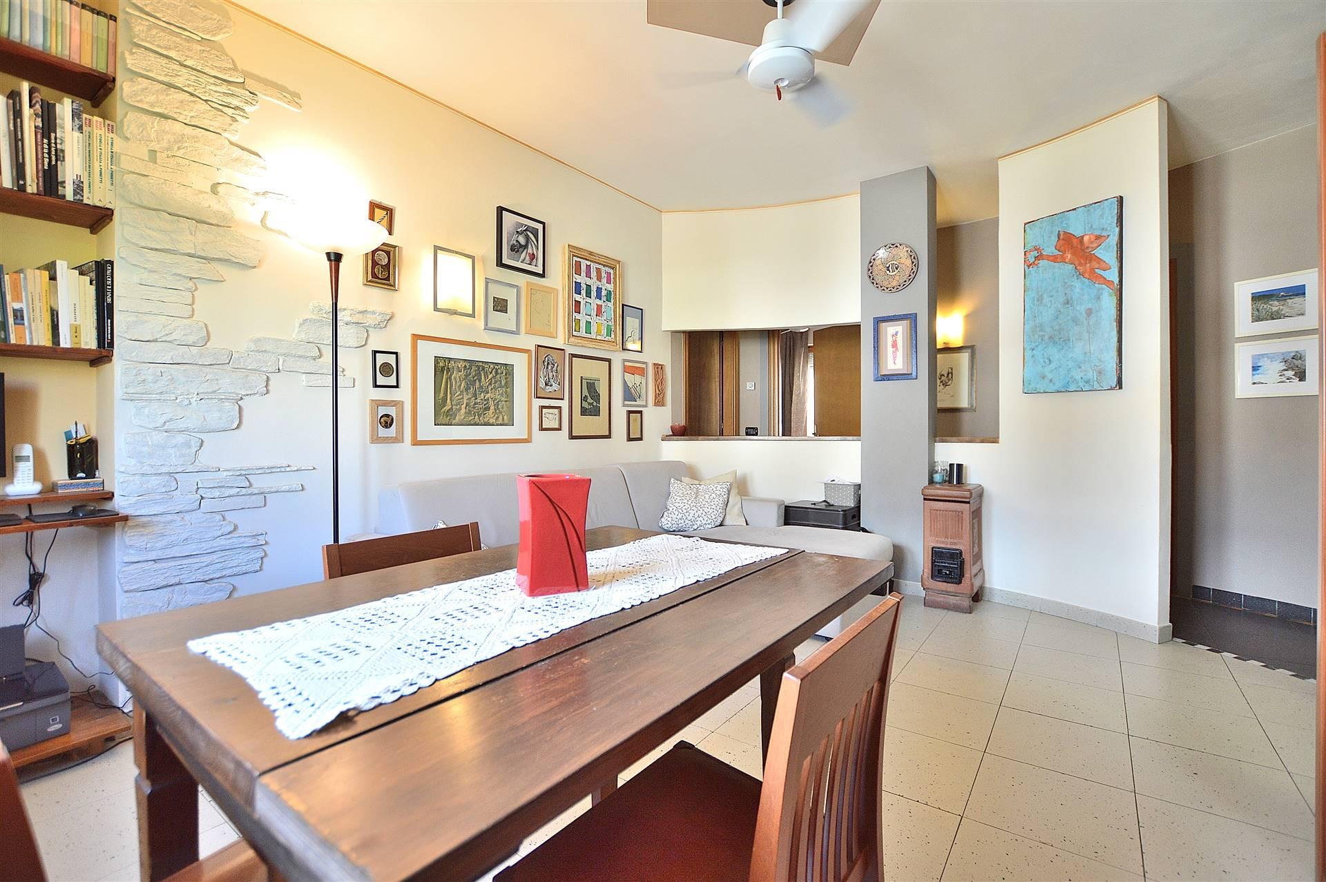 Sant'Andrea a Montecchio, in piacevole contesto residenziale, proponiamo grazioso appartamento posto al secondo ed ultimo piano di una piccola