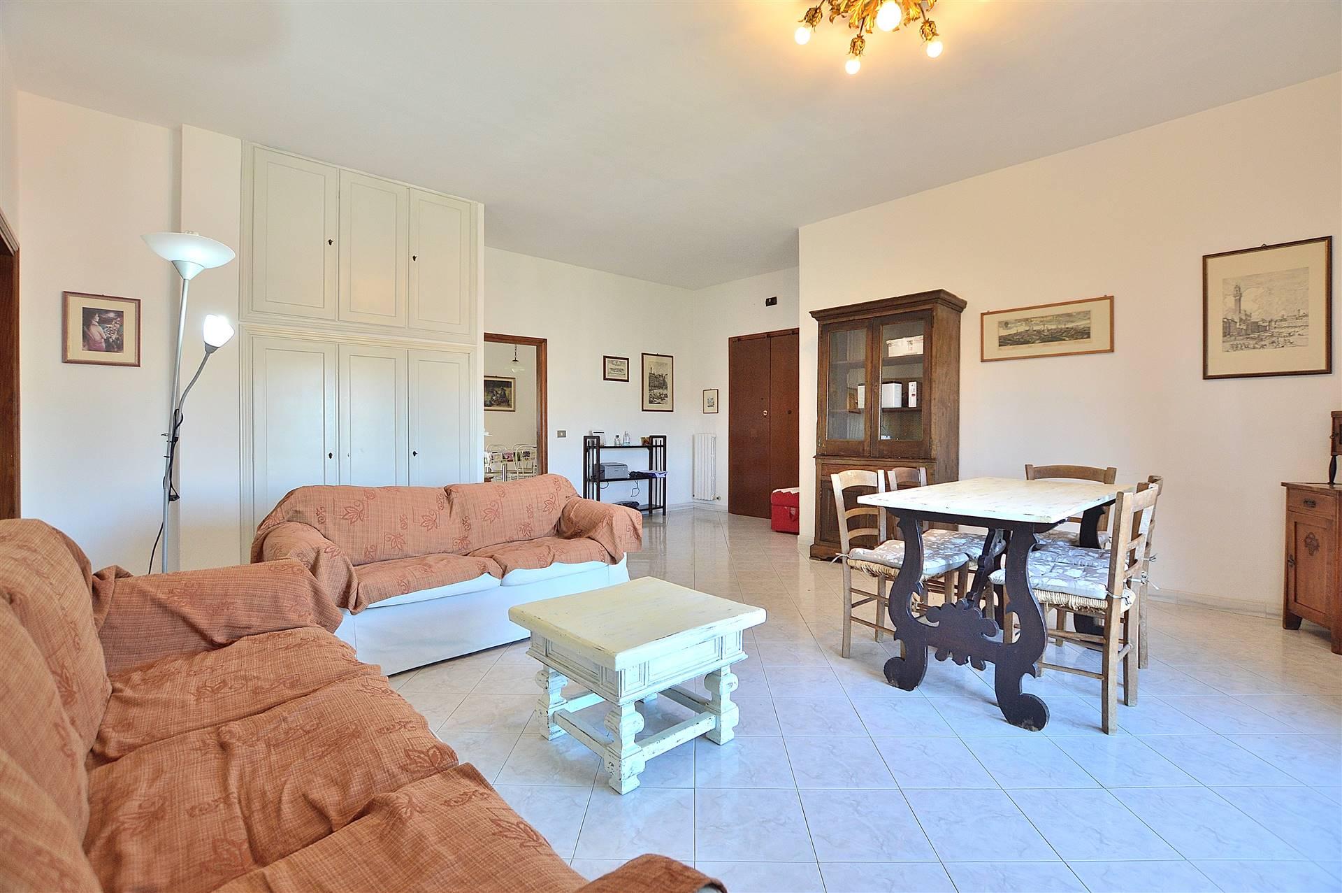 Zona Acquacalda, in piacevole contesto residenziale, proponiamo appartamento posto al quarto piano con ascensore all'interno di una palazzina in