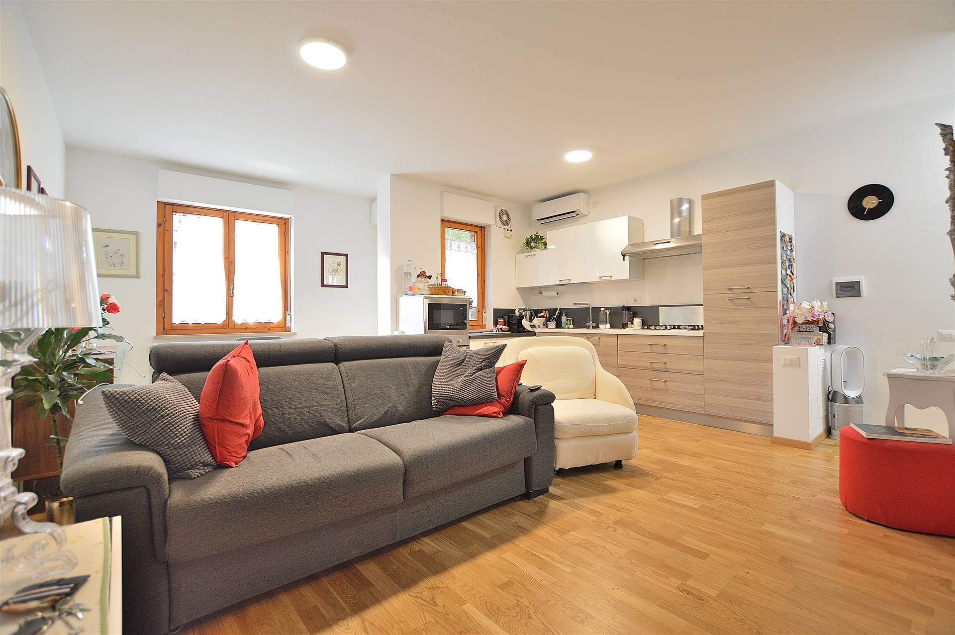 Sant'Andrea a Montecchio, in piacevole contesto residenziale, proponiamo grazioso appartamento ristrutturato posto al primo piano di una piccola