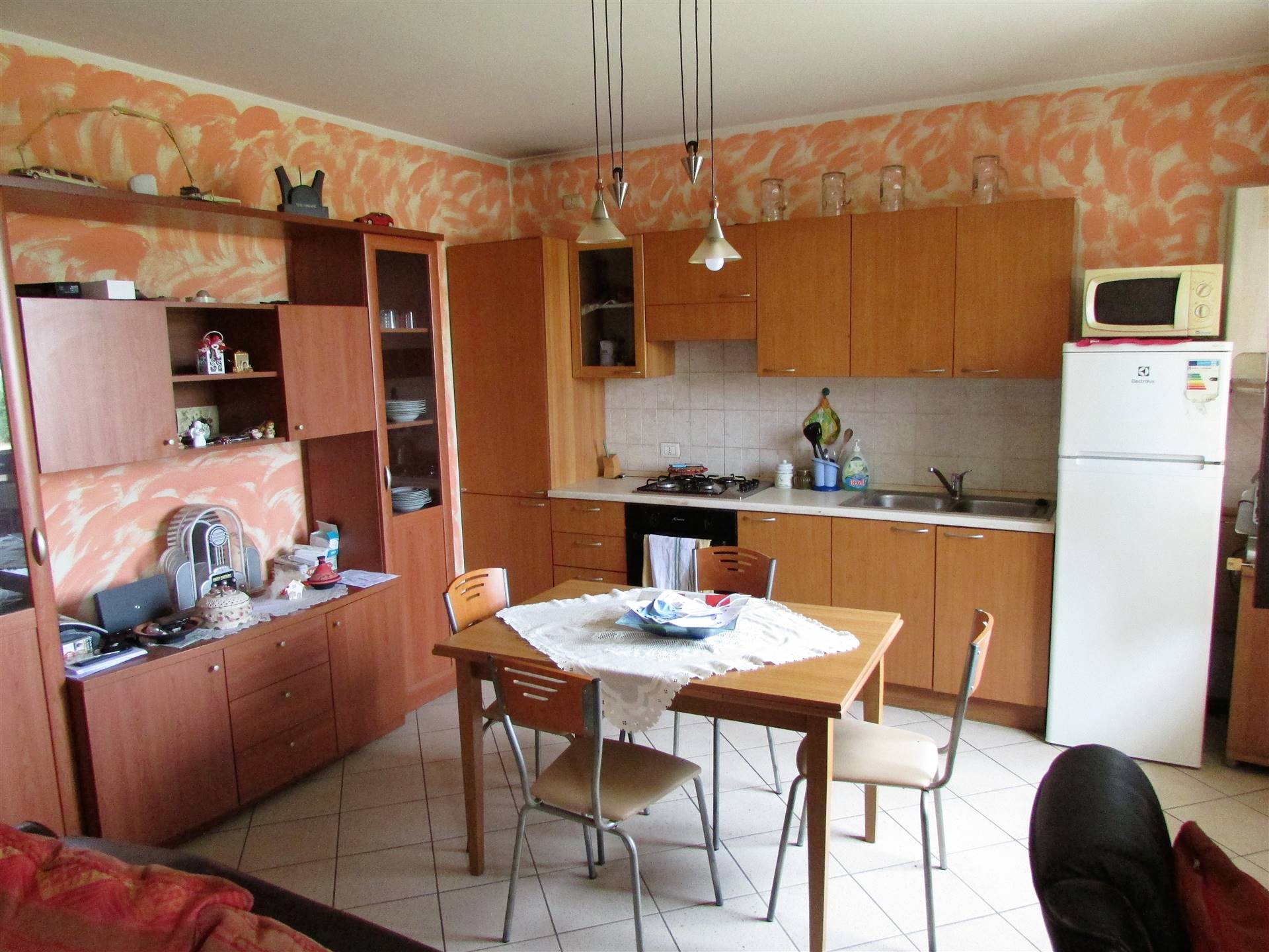VERONELLA, Apartment for sale, Good condition, Heating Individual heating system, Energetic class: G, placed at 1°, composed by: 3 Rooms, Kitchenette,
