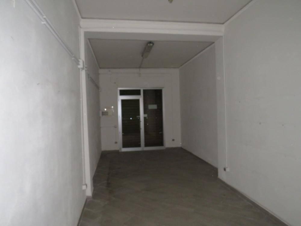 AURISPA, PALERMO, Attività commerciale in affitto di 70 Mq, Buone condizioni, Classe energetica: G, Epi: 175 kwh/m3 anno, posto al piano Terra,