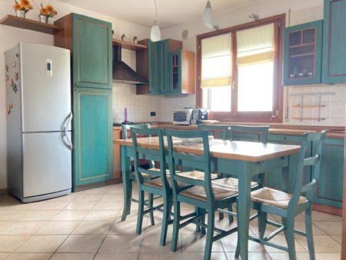 Appartamento in vendita a Carceri, 5 locali, prezzo € 83.000 | CambioCasa.it