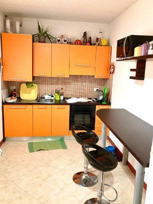 Appartamento in vendita a Bosaro, 4 locali, prezzo € 75.000 | CambioCasa.it