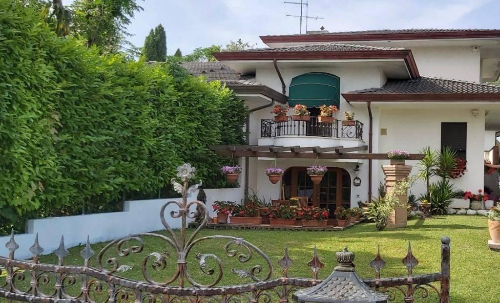 Villa Bifamiliare in vendita a Fossalta di Portogruaro, 7 locali, zona Località: VILLANOVA SANTA MARGHERITA, prezzo € 260.000 | CambioCasa.it