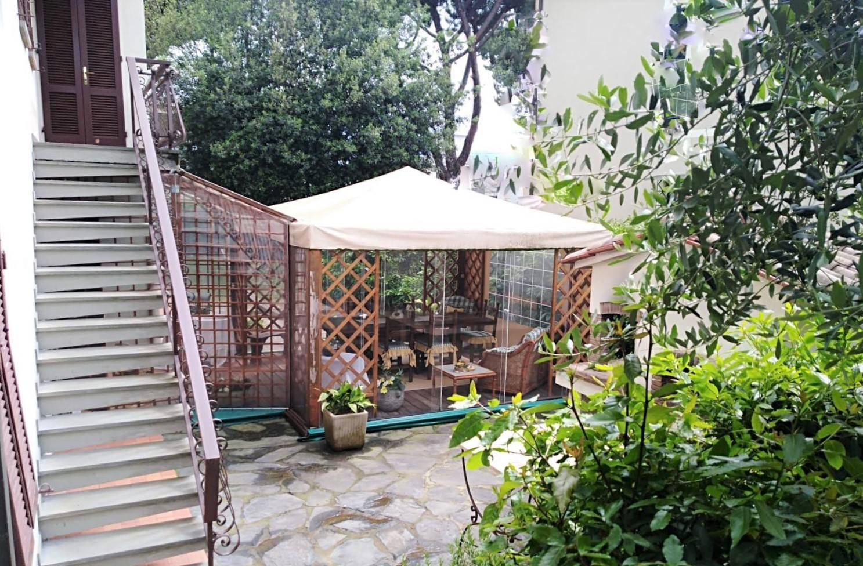 BUGGIANO, Villa in vendita, Buone condizioni, Riscaldamento Centralizzato, Classe energetica: E, composto da: 16 Vani, Cucina Abitabile, 5 Camere, 5